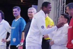 Клюйверт відмовився потиснути руку Дієго Марадоні